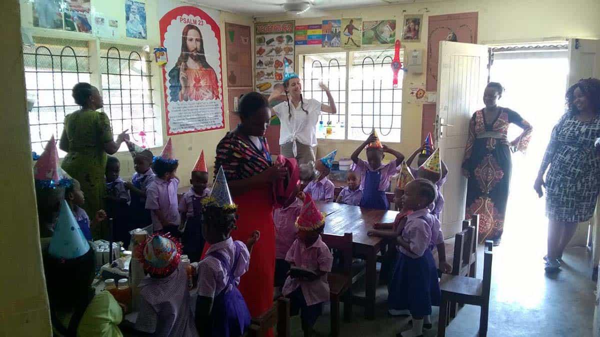 Charlotte Damböck, Uganda, Schule