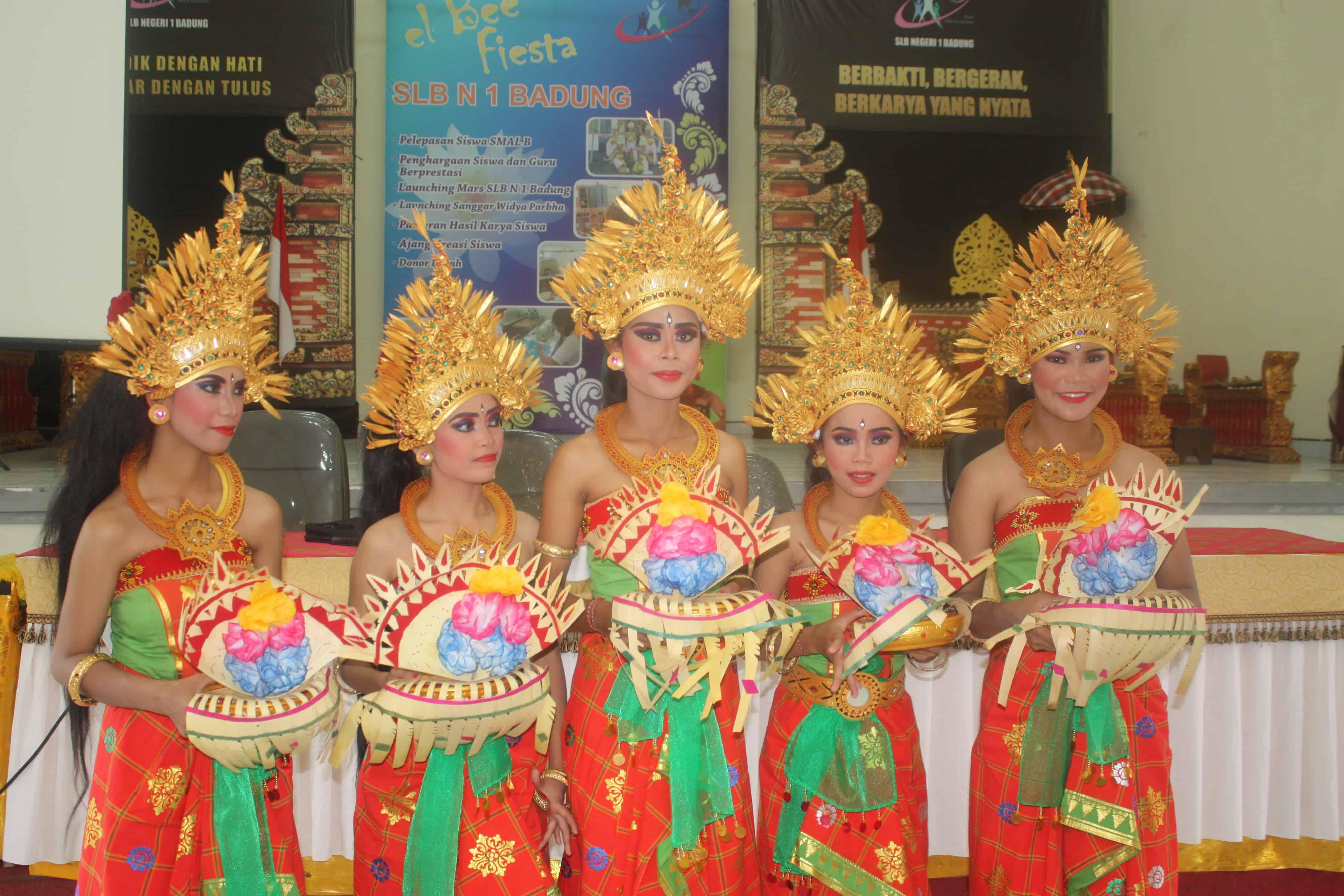 Experience, Indonesien