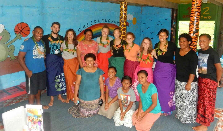 Lisa Hochsteger,Fidschi, Schule